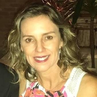 Vânia Flores Paiva